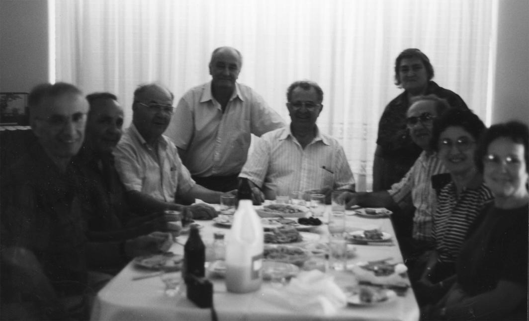 Visiting the Georgi (Dzodzoff) Tzotzos house in Perth, Australia. December 1998