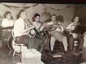 Naum Angelo and son band (1948)